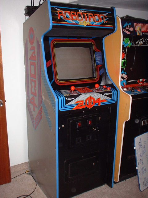 Here is the better than new ROBOTRON!!!